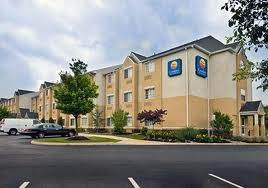 Parking at Comfort Inn & Suites Dulles Airport  near Washington Dulles International Airport | IAD Airport
