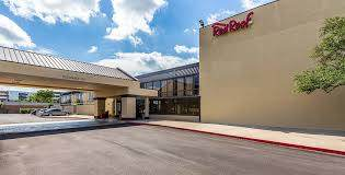 Parking at Red Roof Inn Plus & Suites IAH Airport Parking near George Bush Intercontinental Airport | (IAH) Airport
