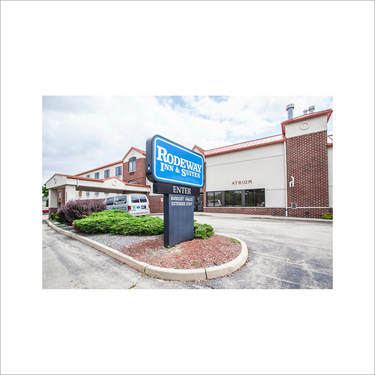 Parking at MKE Rodeway Inn & Suites near Milwaukee International Airport | (MKE) Airport