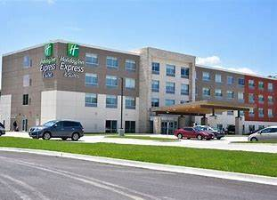 Parking at Holiday Inn Express & Suites Bensenville - O\'Hare near Chicago O\'Hare International Airport | ORD Airport