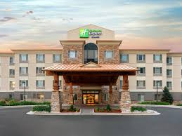 Parking at Holiday Inn Express & Suites - DIA near Denver International Airport | DIA Airport